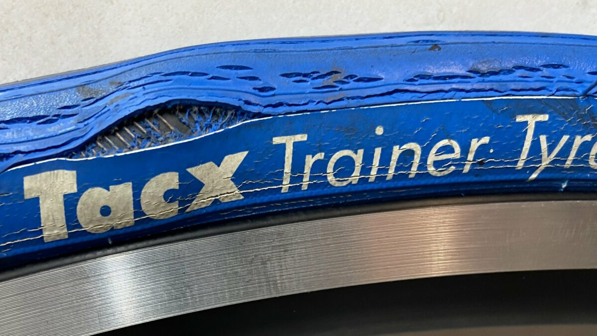 the tacx tyre and the Saris M2